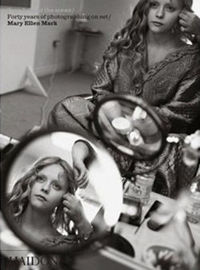 Seen behind the scene / Forty years of photographing on set / Mary Ellen Mark